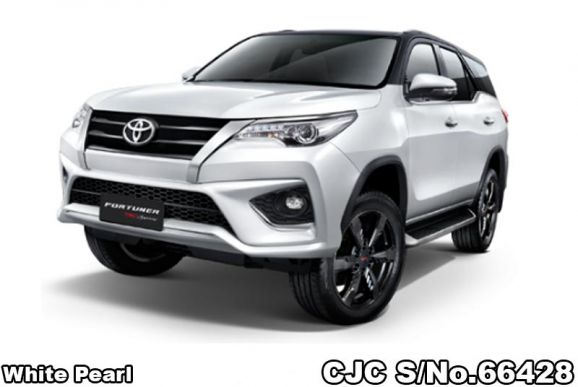 Toyota Fortuner SUV 2.8 TRD Sportivo 4WD AT 2018