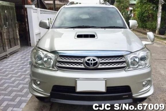 Fortuner 4x4 SUV 2010 for sale